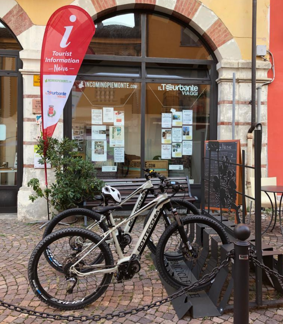 RENT E-BIKE - LANGHE, ROERO AND MONFERRATO